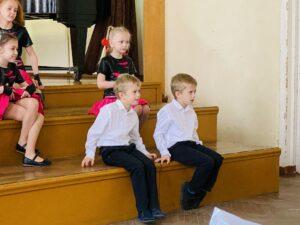 «Посвящение в музыканты»: общешкольный театрализованный праздник для учащихся первых классов вокального отделения (17.10.2020)